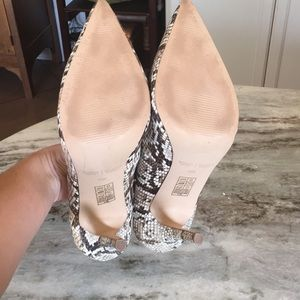 White House Black Market Shoes - White House black market snakeskin heels